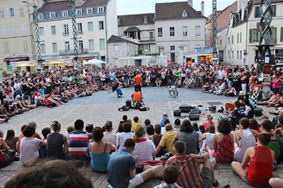 Festival Chalon dans la rue Tourisme Bourgogne