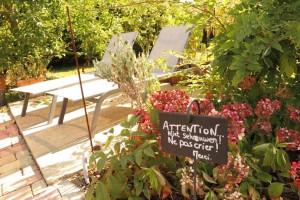 Jardin séjour calme chambres d'hôtes